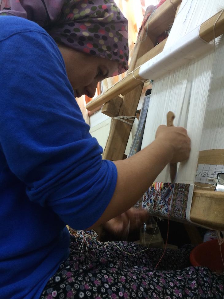 Trabalhar nos teares no Bazaar54, Capadócia, Turquia ©Viaje Comigo