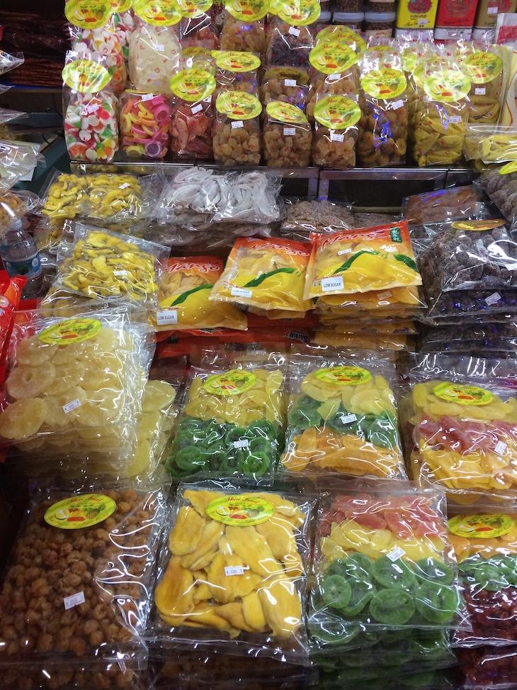 Frutos desidratados no MBK Center, Banguecoque, Tailândia © Viaje Comigo