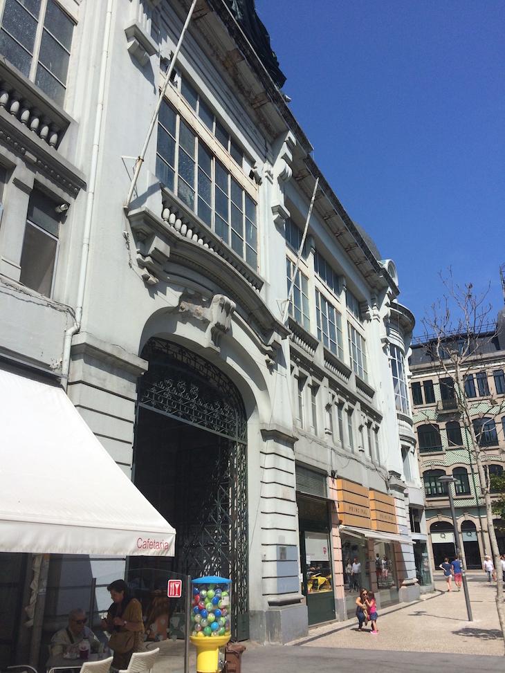 Fachada do Mercado do Bolhão, Porto © Viaje Comigo