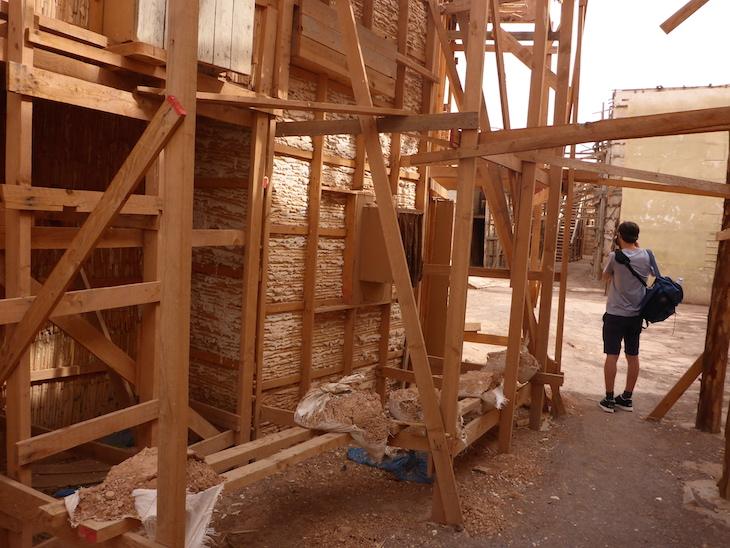 Atrás dos cenários - Estúdios Atlas, Ouarzazate, Marrocos © Viaje Comigo