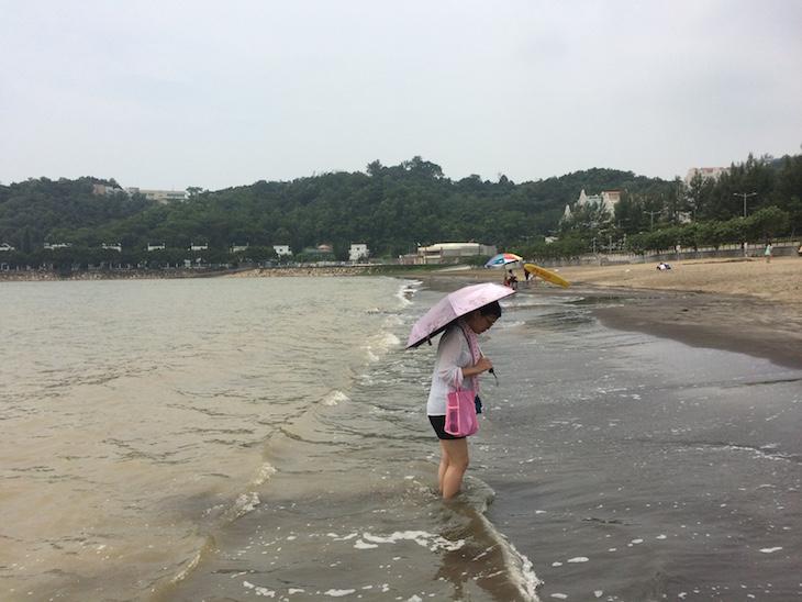 Praia de Hac Sa, Coloane Macau © Viaje Comigo
