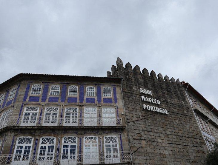 Aqui Nasceu Portugal - Guimarães - Portugal © Viaje Comigo.