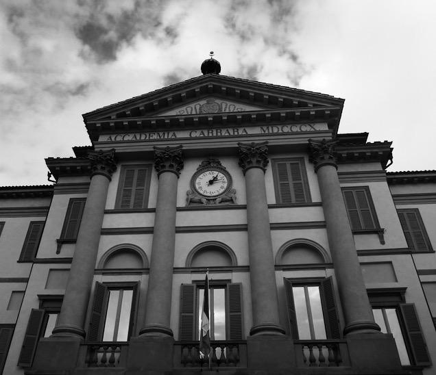 Bergamo Accademia Carrara, foto a preto e branco © Viaje Comigo