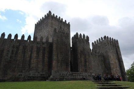Castelo de Guimarães - Portugal © Viaje Comigo