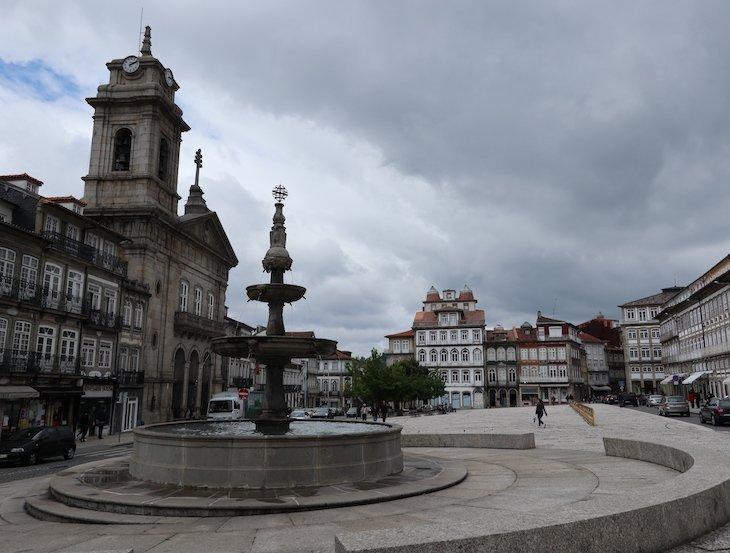 Chafariz do Toural, Guimarães - Portugal© Viaje Comigo