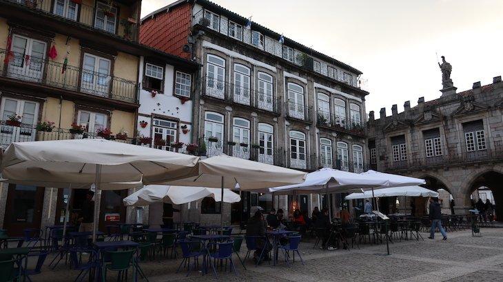 Praça de Santiago, Guimarães - Portugal© Viaje Comigo