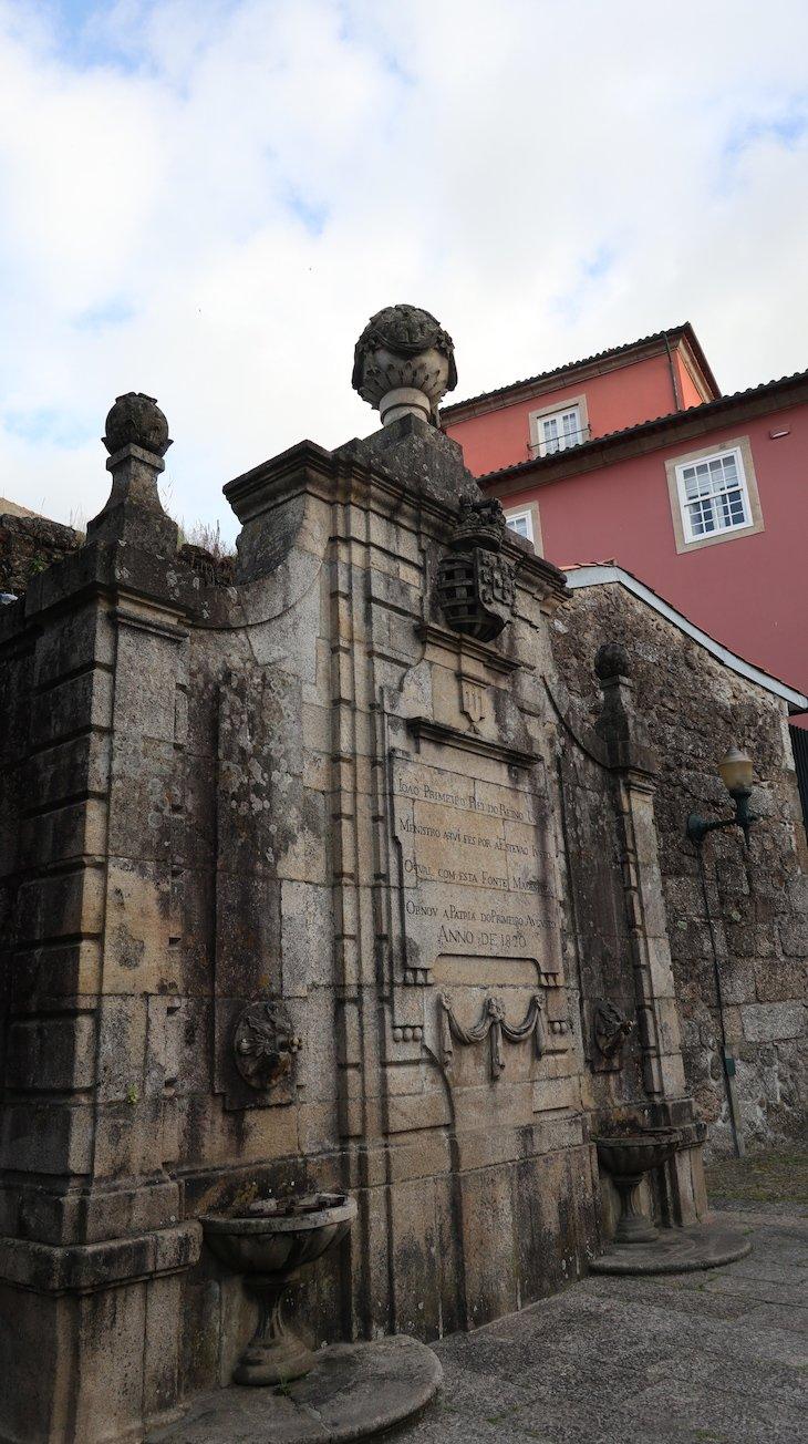 Fonte de 1820, Guimarães - Portugal © Viaje Comigo