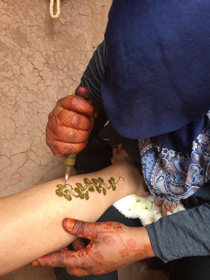 Henna na Casa Berbere, Ben Haddou, Marrocos © Viaje Comigo