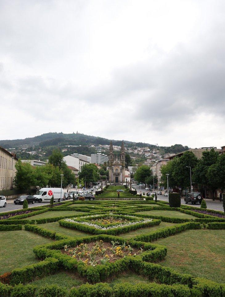 Jardim do Largo da República do Brasil - Guimarães - Portugal© Viaje Comigo