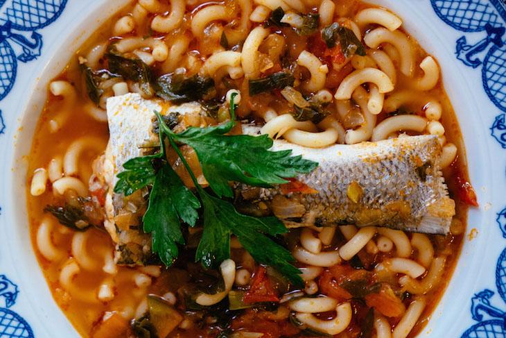 """Restaurante na Nazaré, Portugal, 2014 © """"Viagens pelas receitas de Portugal"""""""