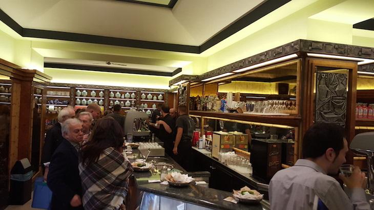Café Tazza d'Oro, Roma © Viaje Comigo