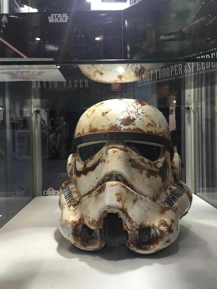 Comic Con Portugal 2015, réplica de um capacete de um Stormtrooper, Star Wars © Viaje Comigo