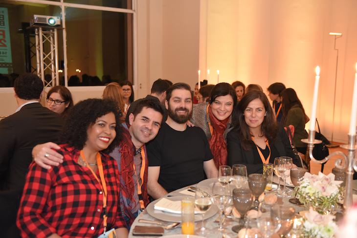 Grupo ao jantar IIEEBB Foto CC BY-NC-ND Associação de Turismo do Porto e Norte, AR_