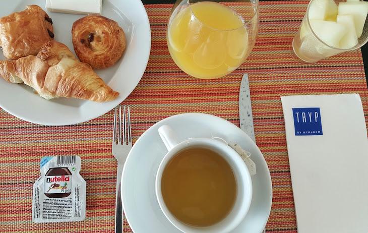 Pequeno-almoço do Hotel Tryp Leiria © Viaje Comigo