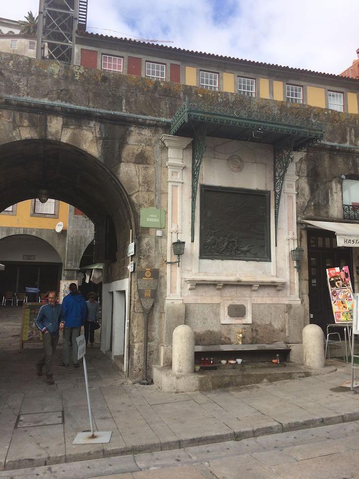 Alminhas da Ponte na Ribeira do Porto © Viaje Comigo