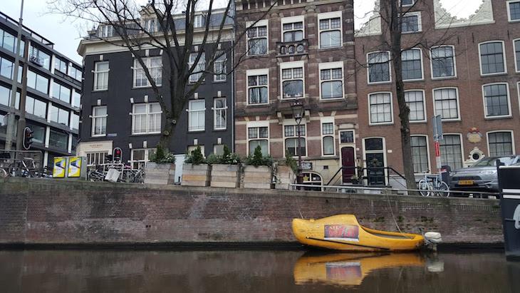 Barcos no Canal Tour do Eating Amsterdam em Amesterdão © Viaje Comigo