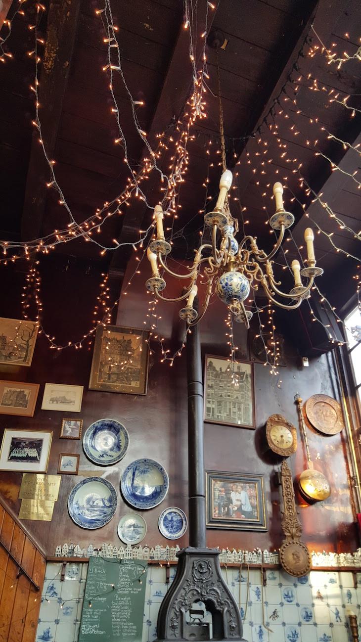 Cervejas no Cafe Papeneiland, Amesterdão © Viaje Comigo