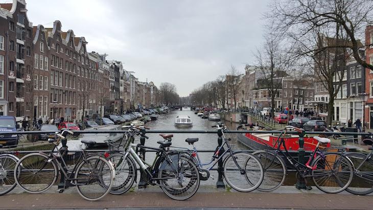 Canais de Amesterdão © Viaje Comigo