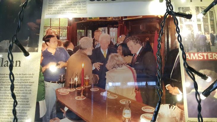 Clinton no Cafe Papeneiland, Amesterdão © Viaje Comigo