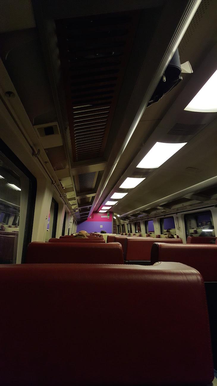 Comboio de Schiphol para Central Station em Amesterdão © Viaje Comigo