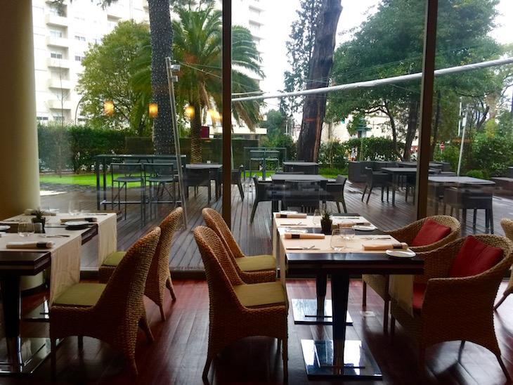Esplanada do Crowne Plaza Porto © Viaje Comigo
