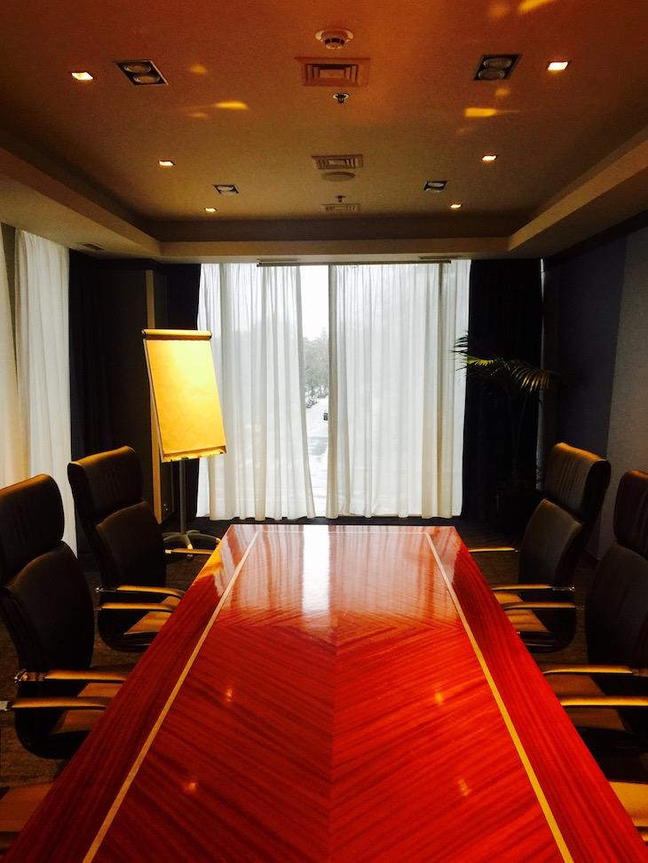 Sala de reuniões, no Crowne Plaza Porto