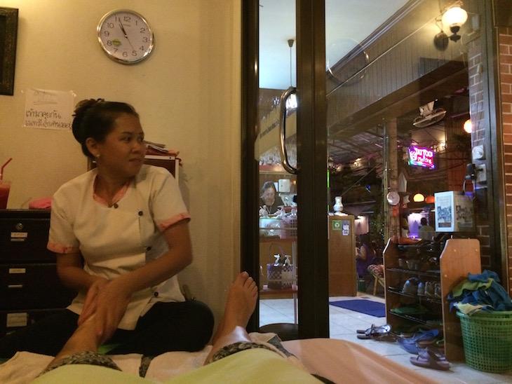 Massagem em Kao San Road, Banguecoque - Tailândia © Viaje Comigo