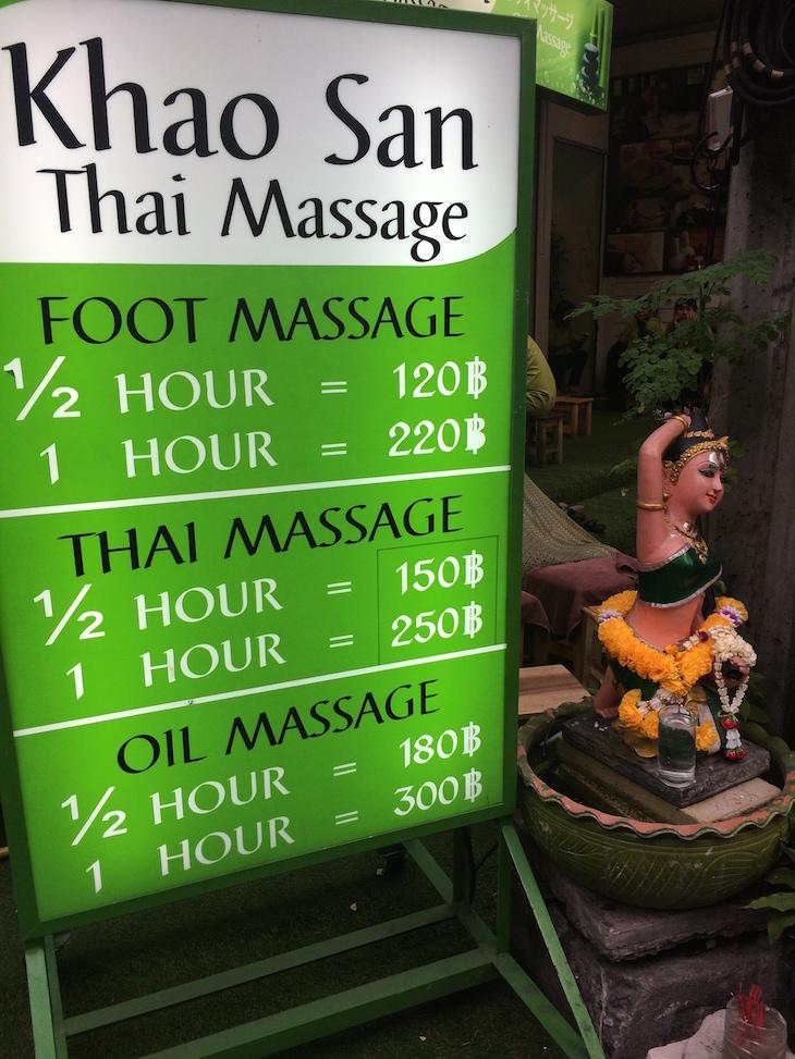 Massagens na Kao San Road, Banguecoque - Tailândia © Viaje Comigo