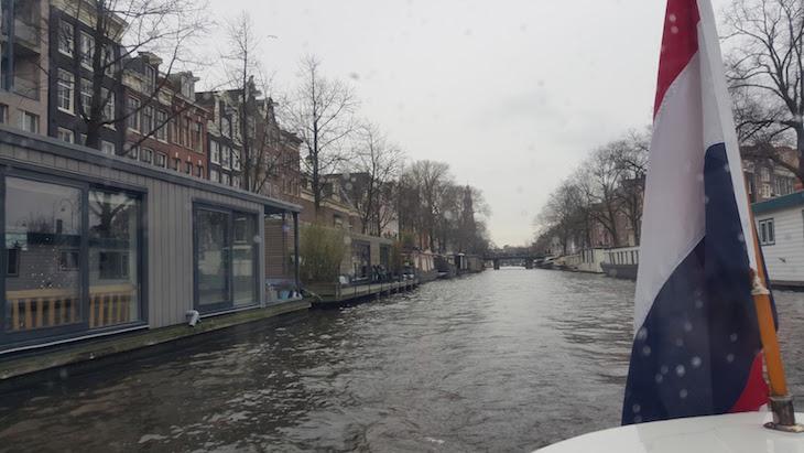 No barco do Canal Tour Eating Amsterdam em Amesterdão © Viaje Comigo