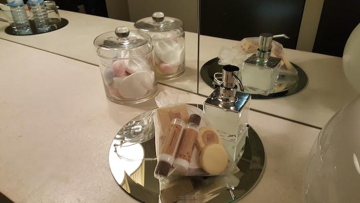 Produtos de higiene no quarto Carmo's Boutique Hotel © Viaje Comigo