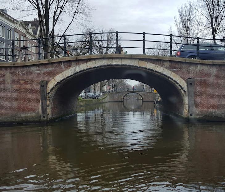 Seis pontes no Canal Tour do Eating Amsterdam em Amesterdão © Viaje Comigo