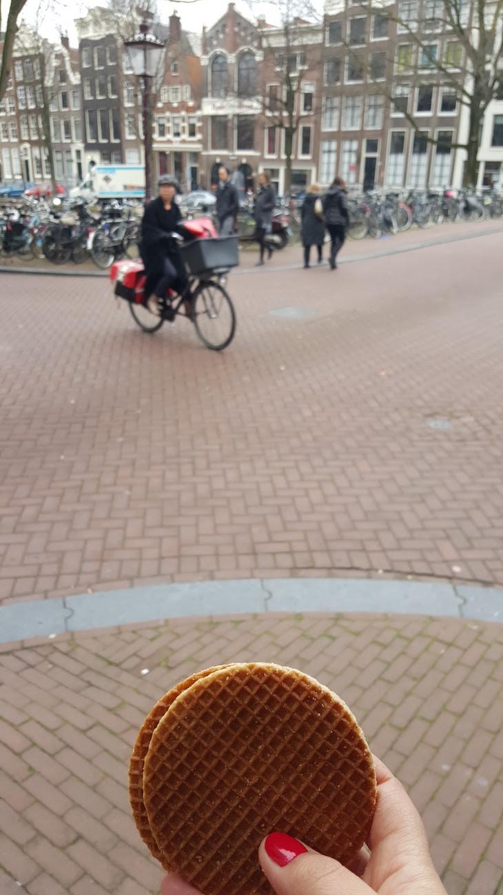 Bolachas Stroopwafel no Eating Amsterdam Tour Bairro Jordaan em Amesterdão © Viaje Comigo