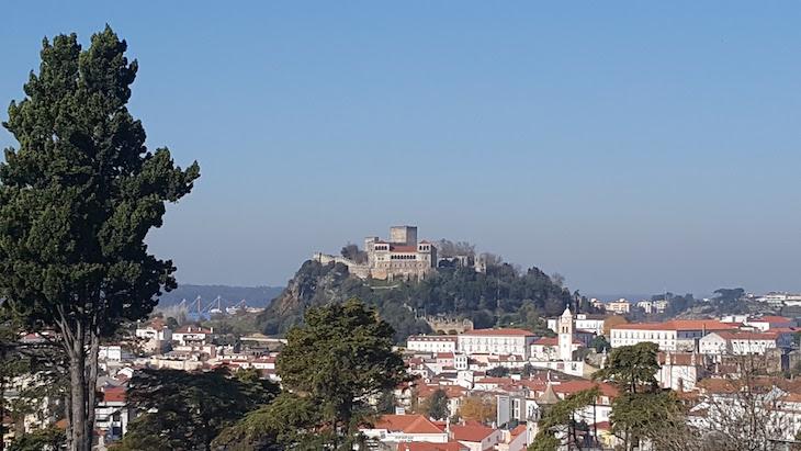 Vista para o Castelo a partir do Santuário de Nossa Senhora da Encarnação - Leiria © Viaje Comigo