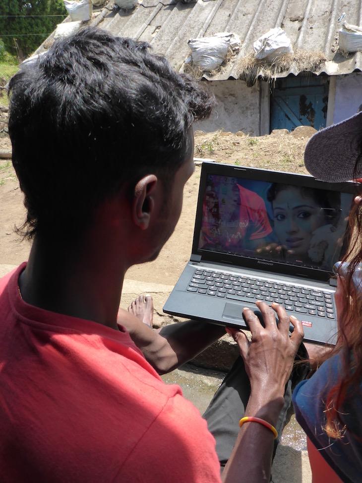 Computador sem internet © Viaje Comigo