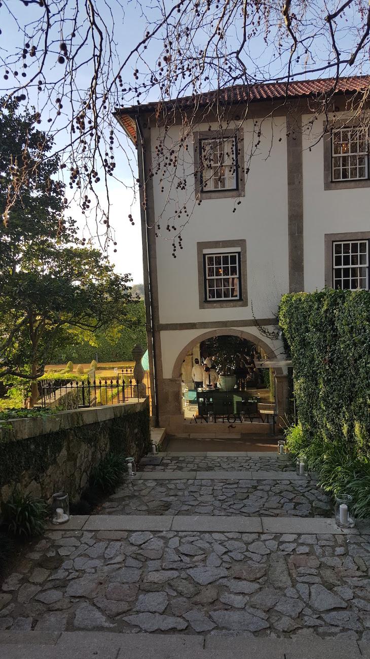 Entrada do Restaurante Antiqvvm, Porto © Viaje Comigo