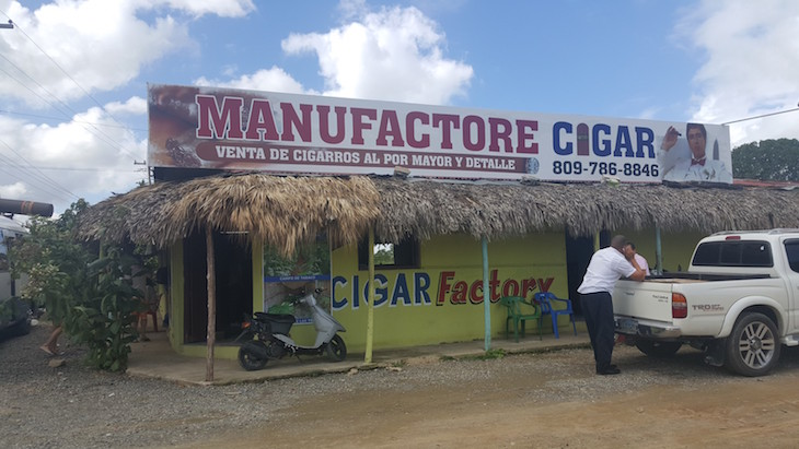 Fábrica de Charutos - República Dominicana © Viaje Comigo