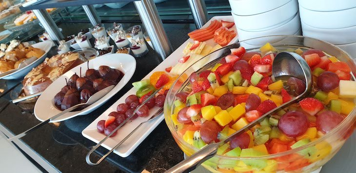 Almoço buffet no Hotel Tryp Aeroporto Lisboa © Viaje Comigo