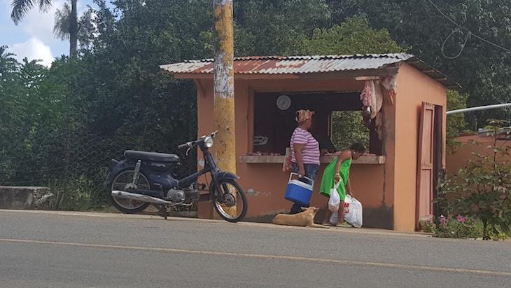 Talho na estrada - República Dominicana © Viaje Comigo