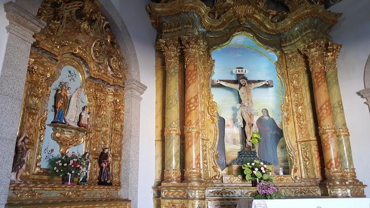 Dentro da Capela do Senhor da Pedra, Vila Nova de Gaia © Viaje Comigo ®