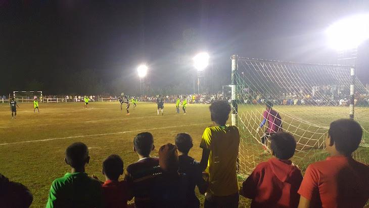 Jogo de futebol, Kerala © Viaje Comigo