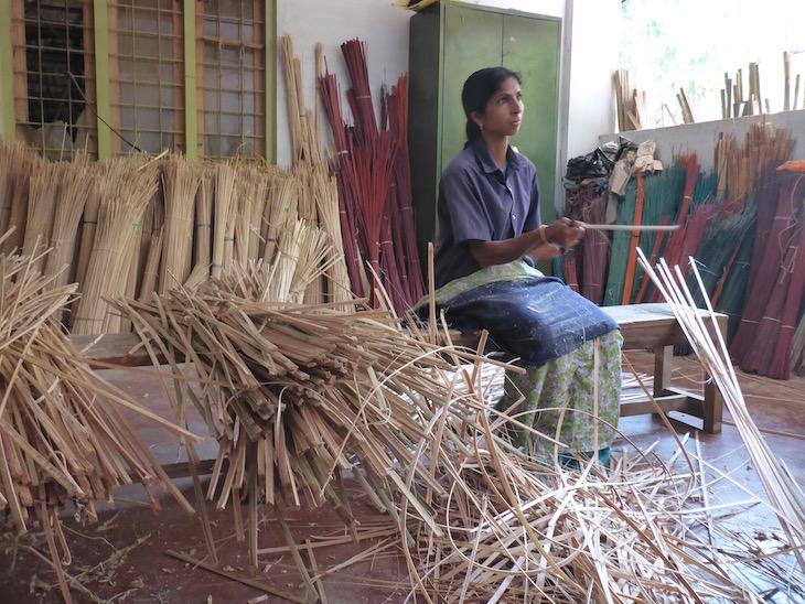 Trabalhar o Bambu, na Uravu, Thrikkaipetta, Wayanad, Kerala © Viaje Comigo