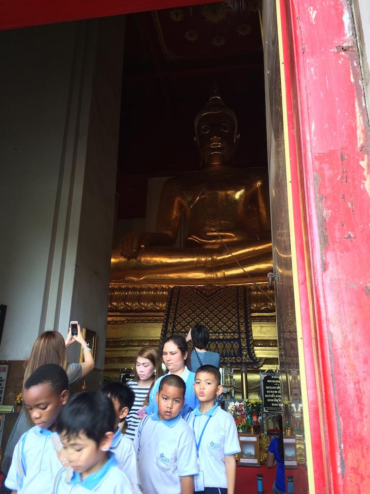 Buda no Wat Phra Si Samphet Thong, Ayutthaya, Tailândia © Viaje Comigo