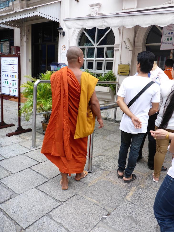 Fila para bilhetes Grande Palácio Real Banguecoque Tailândia © Viaje Comigo