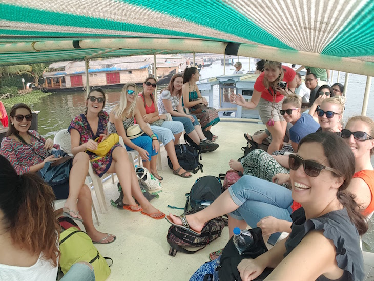Tirada com selfie stick - Grupo Kerala Blog Express 3 © Viaje Comigo