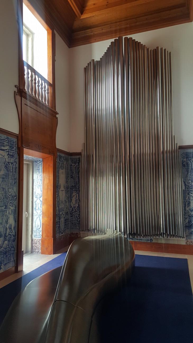 Instalação de órgão de tubos na antiga capela do Palácio do Governador, Lisboa © Viaje Comigo