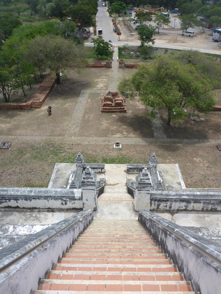 No topo de Wat Phu Khao Thong, Ayutthaya, Tailândia © Viaje Comigo