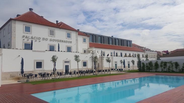 Piscina exterior do Palacio do Governador Lisboa © Viaje Comigo