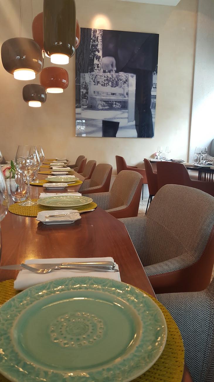 Sala do Restaurante Flores do Bairro © Viaje Comigo
