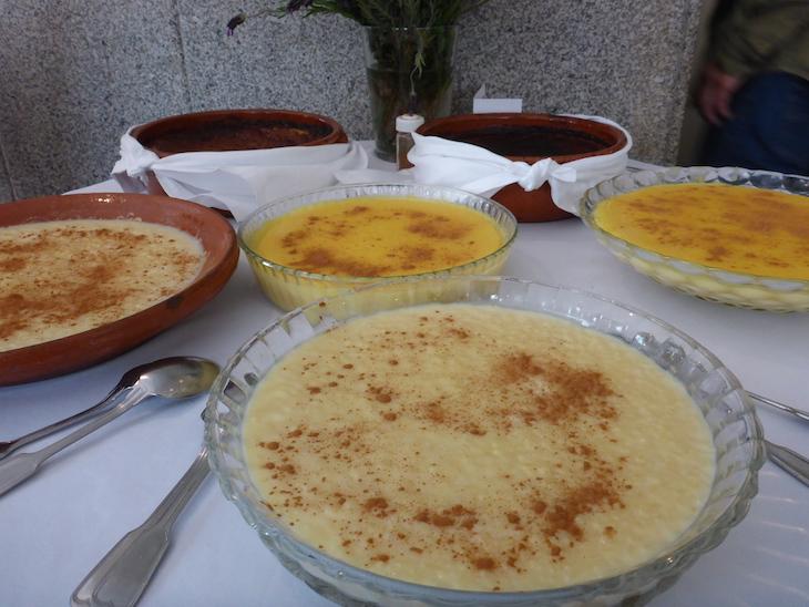 Sobremesas no restaurante Hermínia - Fundão © Viaje Comigo