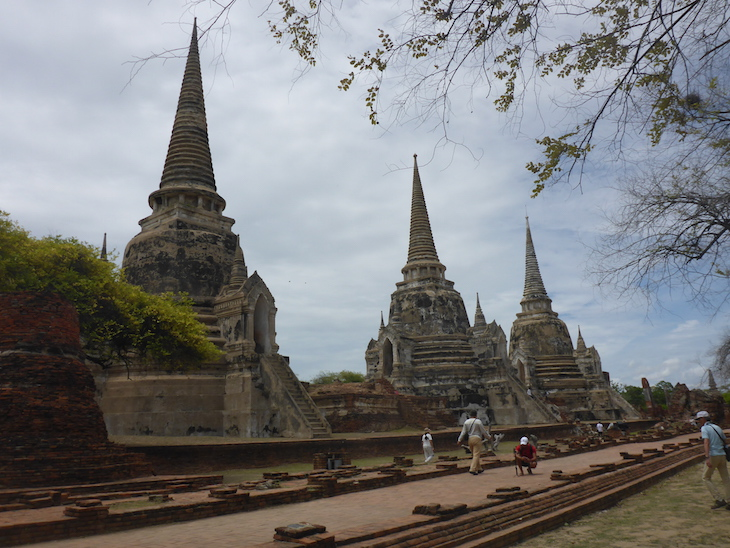 Wat Phra Si Samphet, Ayutthaya, Tailândia © Viaje Comigo